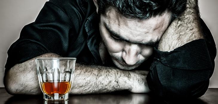 Dependência do álcool (alcoolismo): causas, sintomas e tratamentos