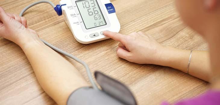 Hipertensão secundária: causas, sintomas e tratamentos