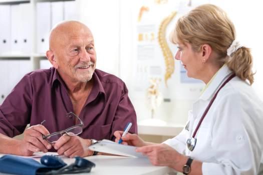 Conheça os 6 mais importantes exames para idosos