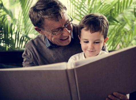 Como posso identificar se meus avós estão com Alzheimer?