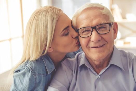 5 consultas essenciais para a saúde do seu pai