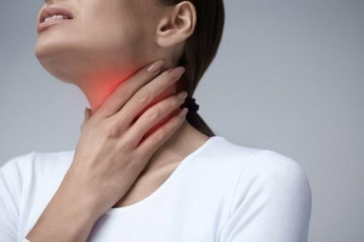 Dor para engolir é sinal de doença grave?